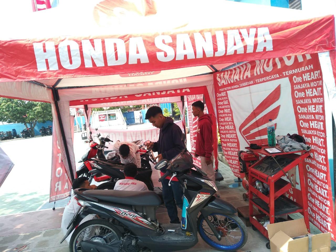 SERVIS MOTOR GRATIS DI SMK TEXMACO PEMALANG KERJA SAMA DENGAN HONDA